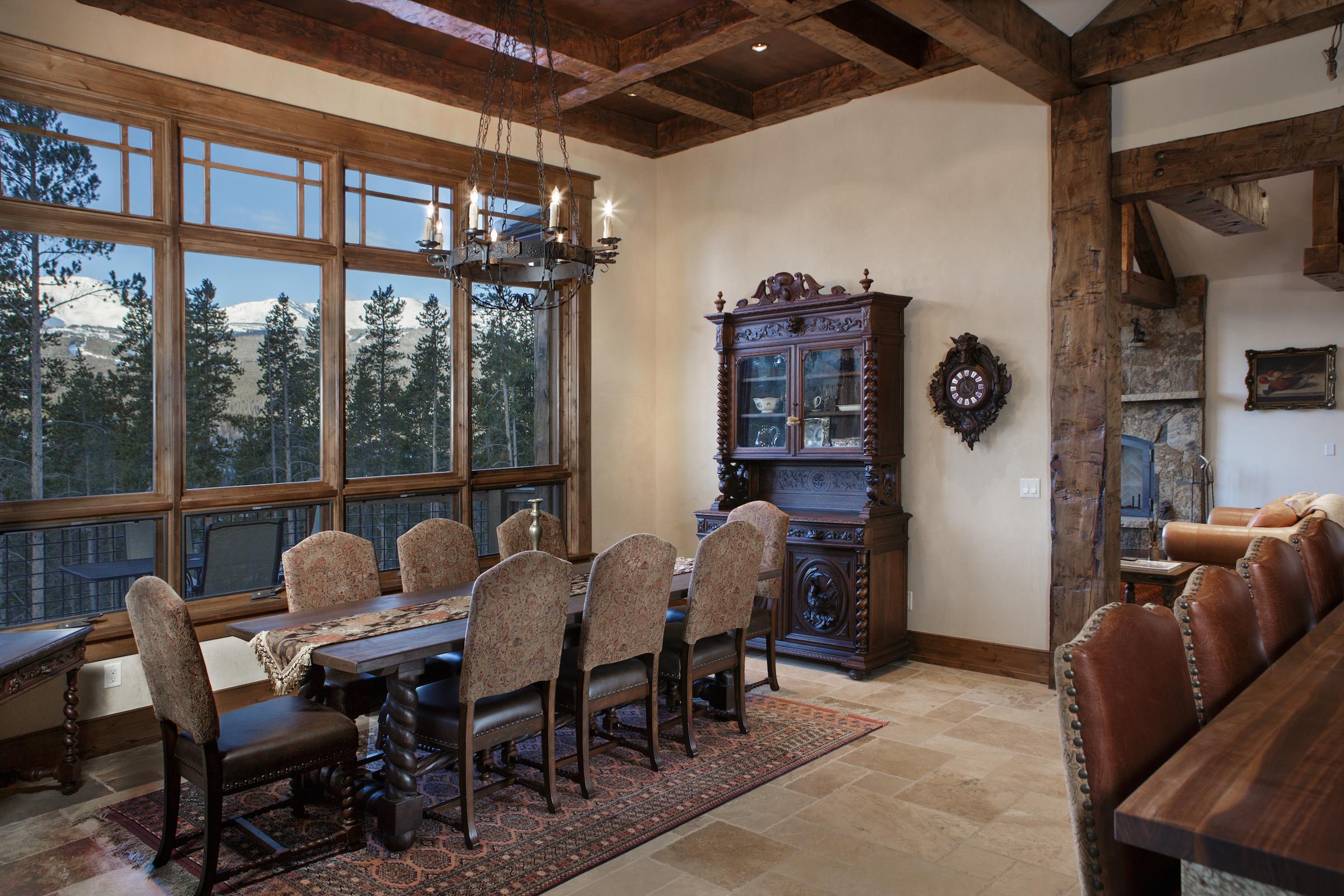 Eagle Residence Dining